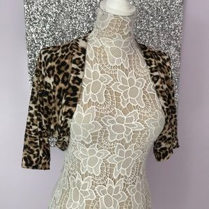 Tops - Leopard coverup